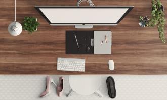 desk-1222899_1280